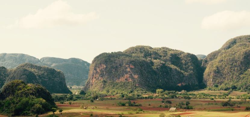 Kuba: Údolí Viňales protkané jeskyněmi